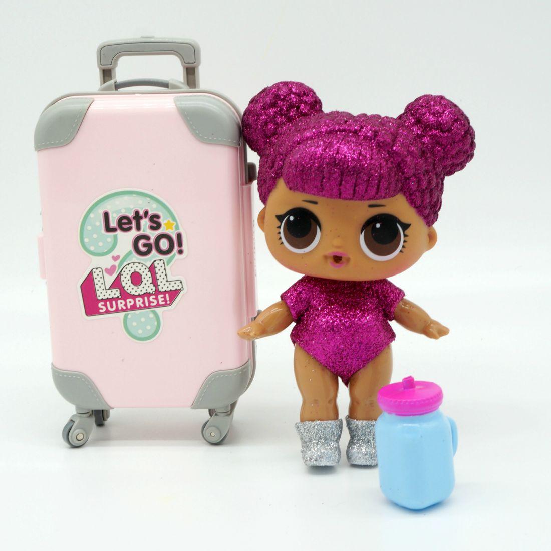 LOL GLITTER  с чемоданом и косметикой.