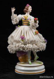 Танцовщица с цветком, кружевница, Muller & Co, Volkstedt, Германия, 1907-1952 гг., артикул 00320
