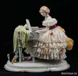 Дама за клавесином, кружевница, Unterweissbach, Германия, 1960-70 гг., артикул 00336