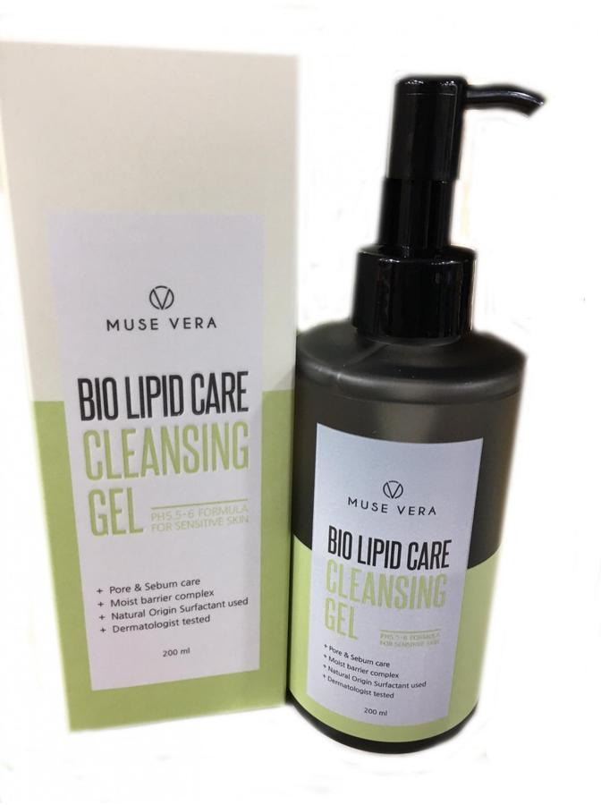 Гель для лица очищающий DEOPROCE MUSEVERA BIO LIPID CARE CLEANSING GEL 200ml