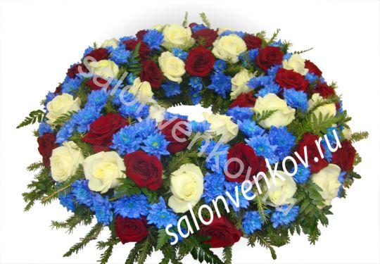 Элитный траурный венок из живых цветов №86, РАЗМЕР 60см