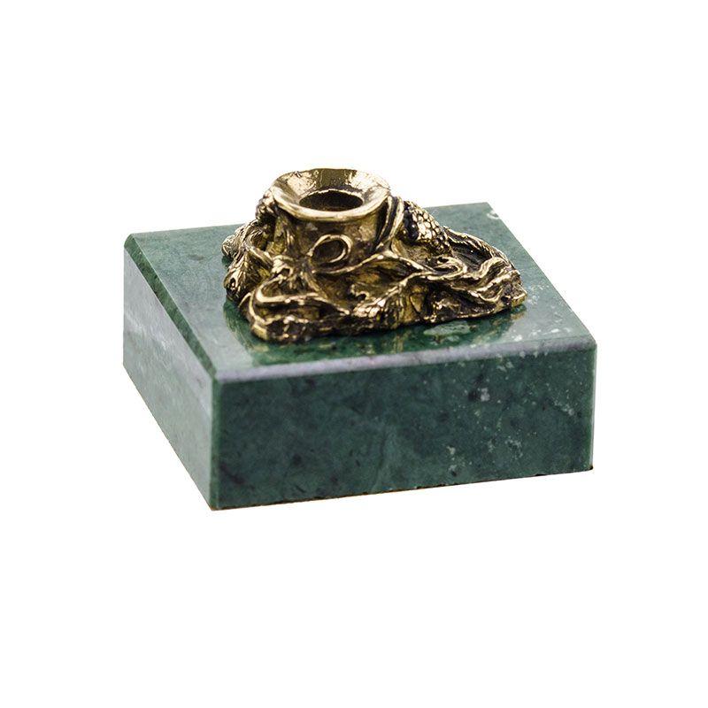 Подсвечник на камне