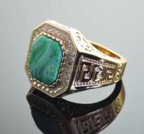 Позолоченный перстень с искусственными бриллиантами и яшмой (арт. 250145)