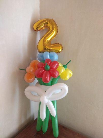 Букет с цифрой из 5 цветов