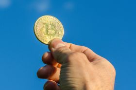 Монета Bitcoin - золото (диаметр 4 см, толщина 3 мм)