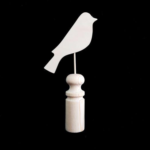 Весенная птичка на подставке