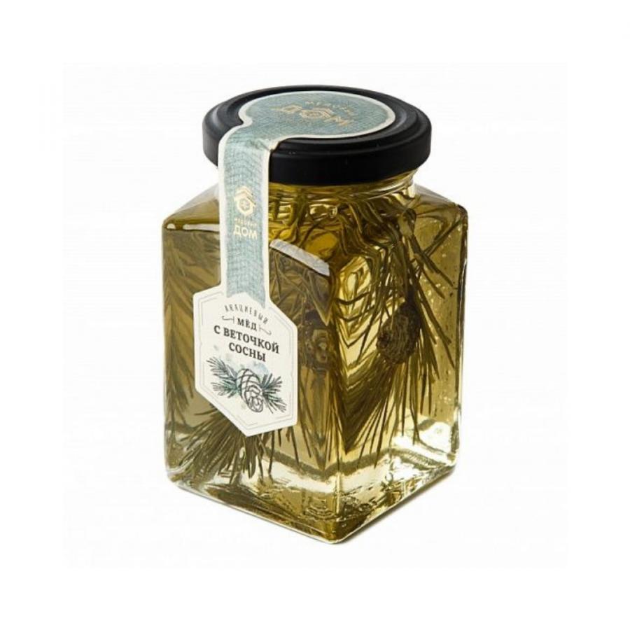Акациевый мёд с веточкой сосны