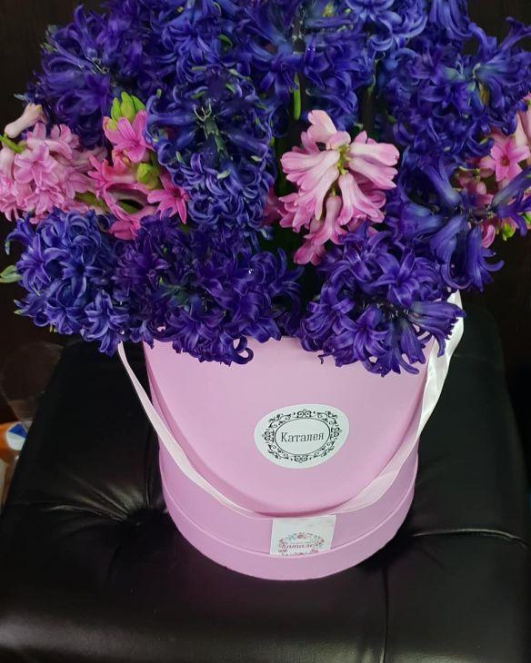 Весенняя коробочка гиацинтов