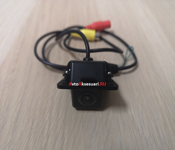 Штатная камера заднего вида для Hyundai Elantra 2011-2019