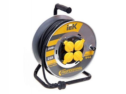 Сетевой удлинитель IEK катушка УК30 на мет с т/з 4 места 2Р+PЕ/30м КГ 3х1,5мм2 IP44 ''Professional''
