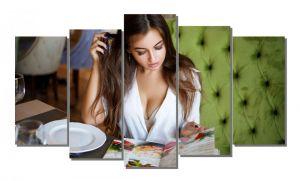 Модульная картина Девушка в кафе