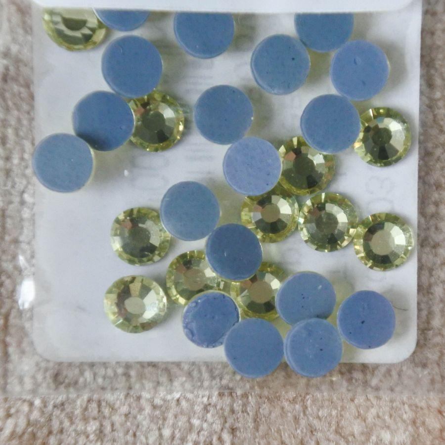 Стразы стеклянные клеевые, цвет Светло-Лимонный, SS20, 35 шт/упак
