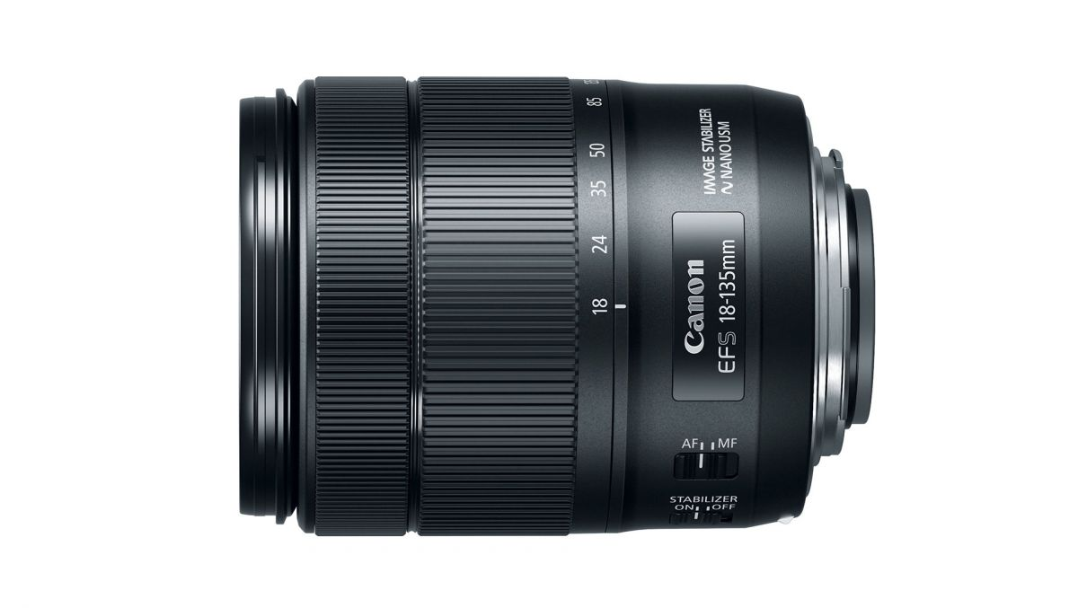 Canon EF-S 18-135mm f/3.5-5.6 IS USM NANO