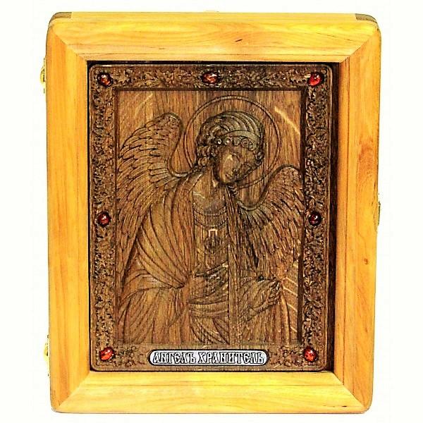 резная икона в подарок отцу или сыну Ангела-Хранителя (18*23 см, Россия) на натуральном мореном дубе, инкрустированная янтарем