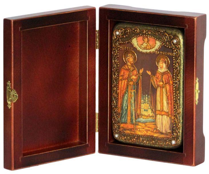Инкрустированная настольная икона Петр и Февронья (10*15 см, Россия) на натуральном мореном дубе, в подарочной коробке