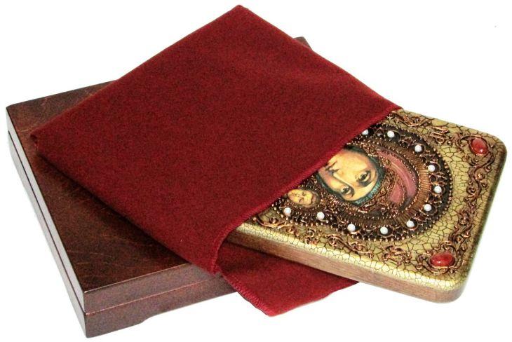 Инкрустированная подарочная икона Образ Божией Матери Казанской (15*20 см, Россия) на натуральном мореном дубе в подарочной коробке