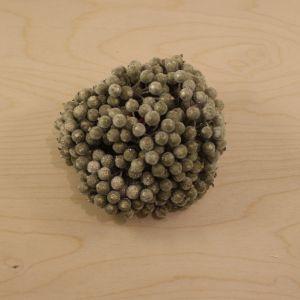 `Ягоды в сахарной обсыпке 12 мм (длина 16см), цвет золото, 1 уп = 40 ягодок ( 20 веточек)