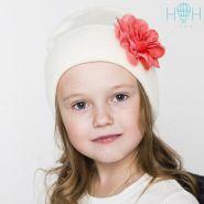 HOH ШД19т-17111831 Вязаная шапка с подворотом с цветком , молочный