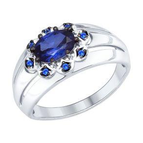 Кольцо из серебра с корундом сапфировым (синт.) и синими фианитами 88010037 SOKOLOV