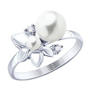 Кольцо из серебра с жемчугом и фианитами 94012779 SOKOLOV