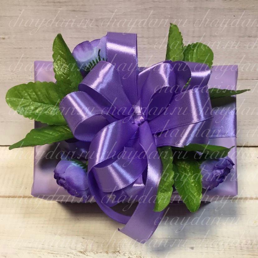 """Коробка с чаем и сладостями """"Цветы и зелень"""""""