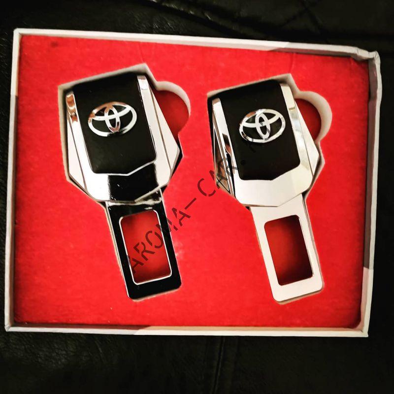 Заглушка для ремня безопасности с логотипом Toyota ( комплект)