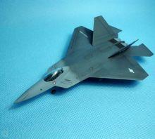 Сборная модель американского истребителя F-22 Раптор 1:144