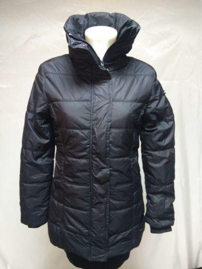 Куртка женская на синтепоне с высоким воротником, приталенная