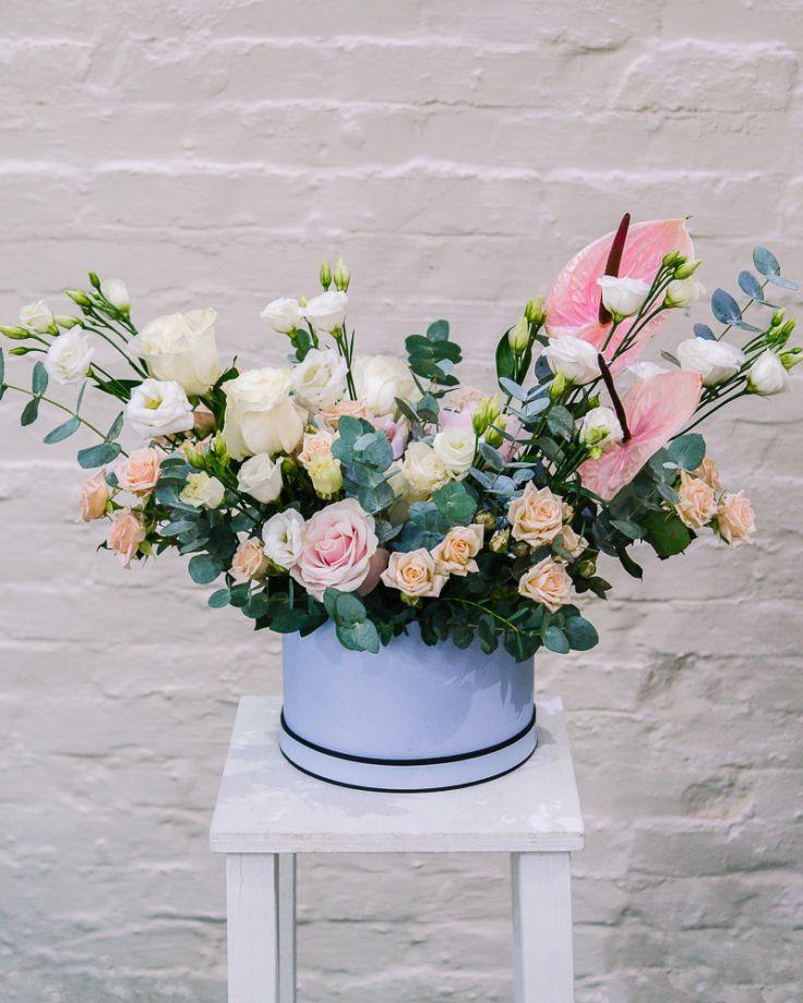 """Коробка с цветами """"Любимой"""" c доставкой в Комсомольске"""