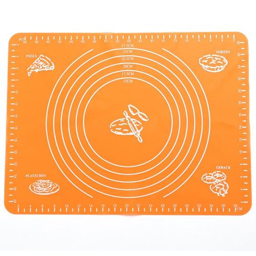 Силиконовый коврик для раскатывания теста, 30х40 см, цвет - оранжевый.
