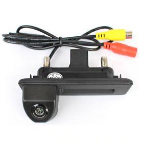 Камера заднего вида Skoda SuperB в ручку багажника (2008-2015)