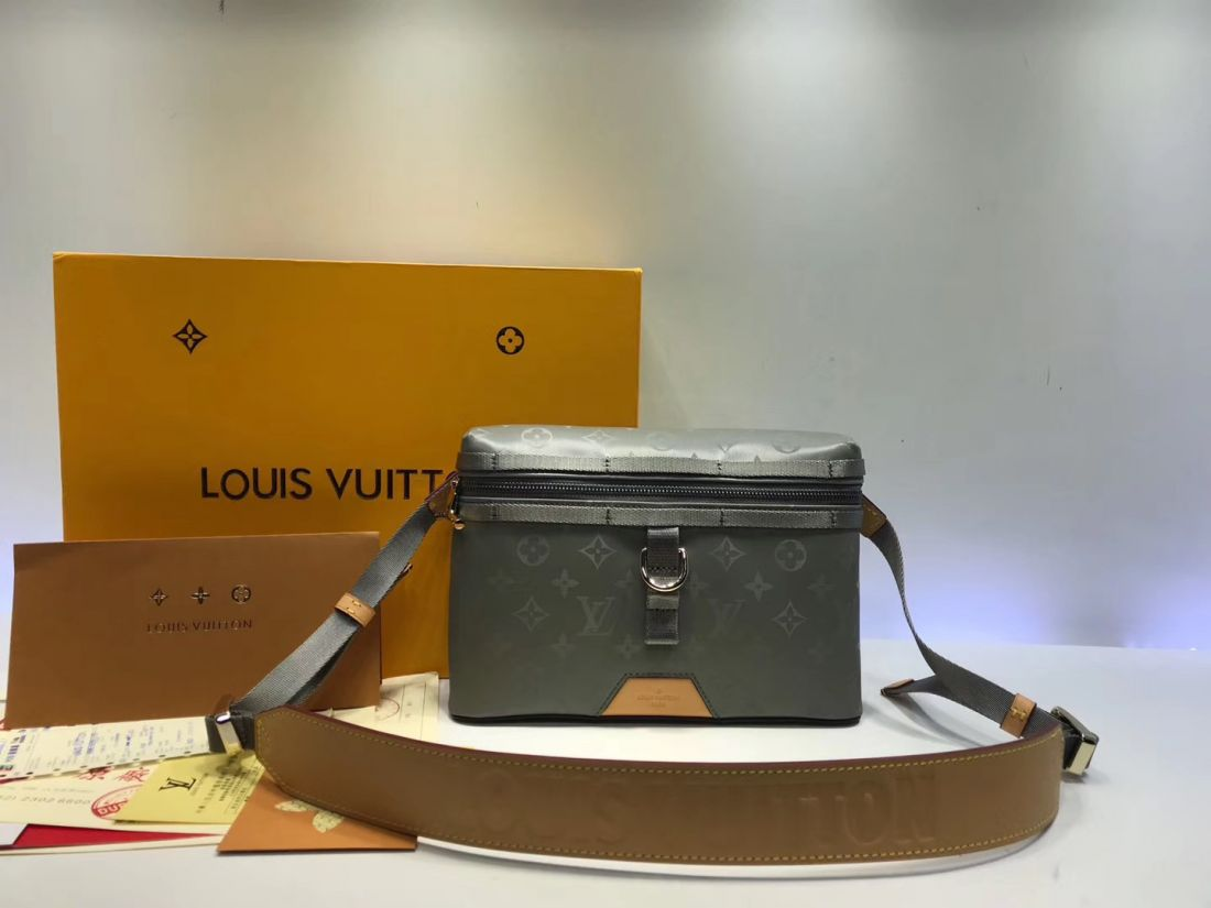 Сумка мессенджер Louis Vuitton Monogram Titanum