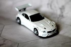 Модель машины металлическая BMW Z4 1:32 белая