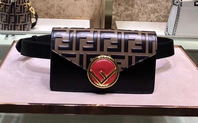 Поясная сумка FENDI