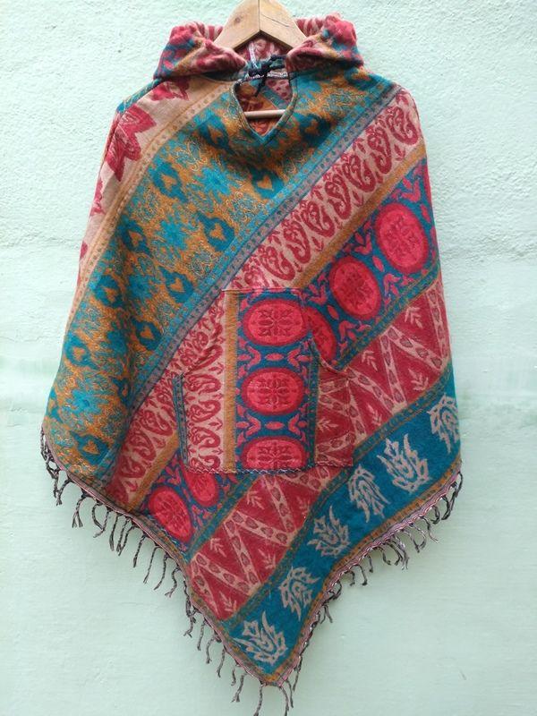 Треугольное пончо из теплой ткани (отправка из Индии)