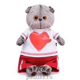 Басик в футболке с сердцем