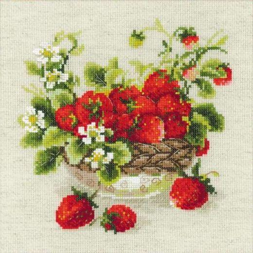Набор для вышивания крестом Садовая клубника №1449 фирма Риолис