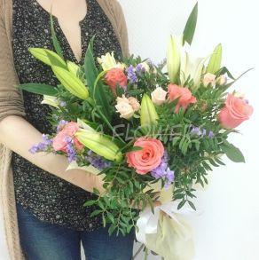 Букет «Лилии в саду»