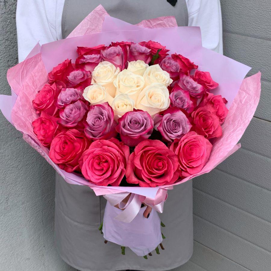 35 роз Эквадор 50 см в красивой упаковке