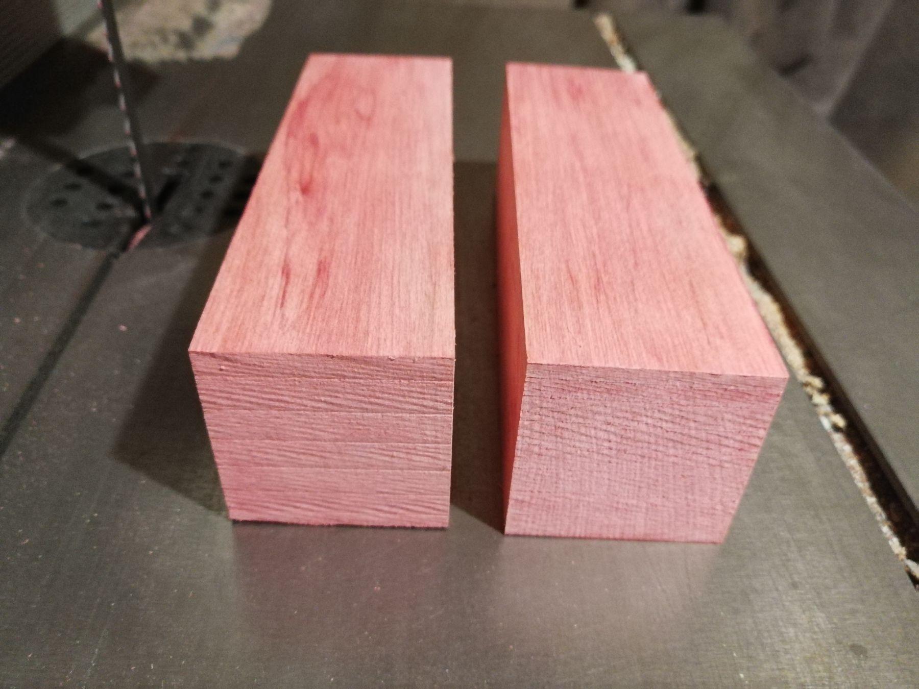 Розовый граб