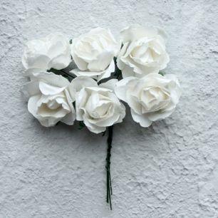 Бумажные цветы белые- Кукольная миниатюра