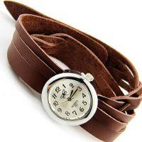 Часы на двойном кожаном браслете