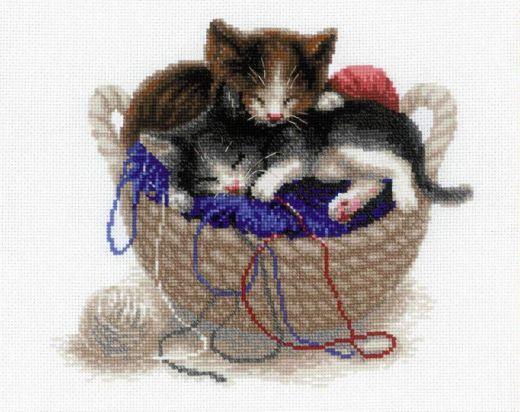 Набор для вышивания крестом Котята в корзине №1724 фирма Риолис