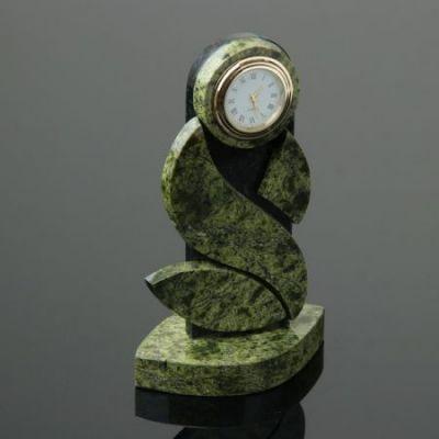 Часы из натурального камня