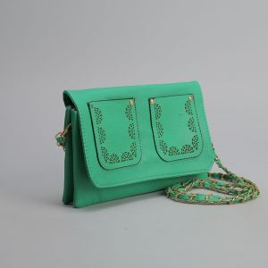 Клатч женский, 3 отдела на молнии, 2 наружных кармана, длинный ремень, цвет зелёный