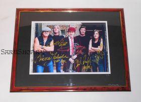 Автографы: AC/DC. Ангус Янг, Малколм Янг, Фил Радд, Клифф Уильямс, Брайан Джонс. Редкость