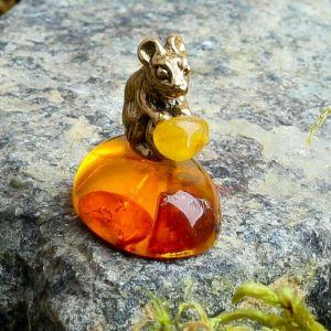 "Сувенир ""Мышка с монеткой"", янтарь 1366141"