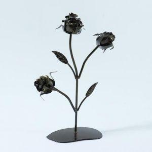 Роза с тремя бутонами на подставке 4948922