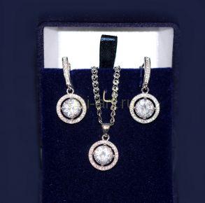 Комплект позолоченных белым золотом украшений с искусственными бриллиантами - серьги и подвеска с цепочкой (арт. 880117)