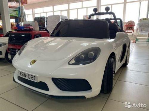 Электромобиль Porsche Cayman с пультом управления